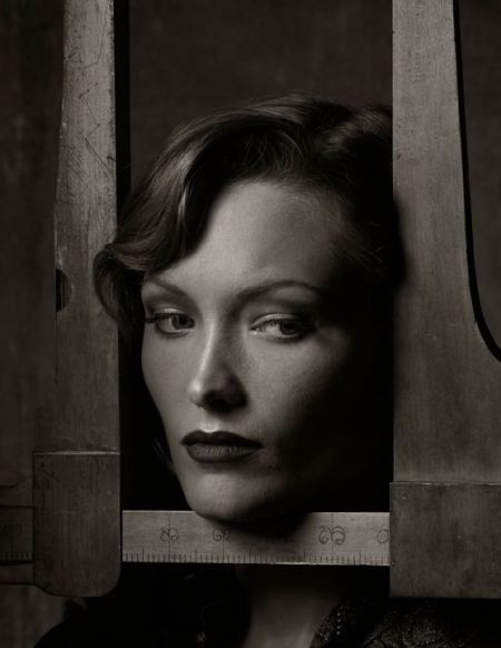 albert-watson-fanny-with-tree-calipers-new-york-city-2010