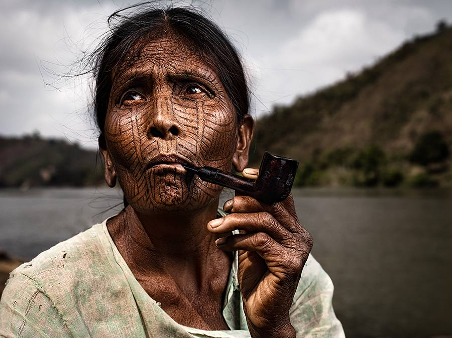 one_eyeland_smoking_by_suchet_suwanmongkol_86332