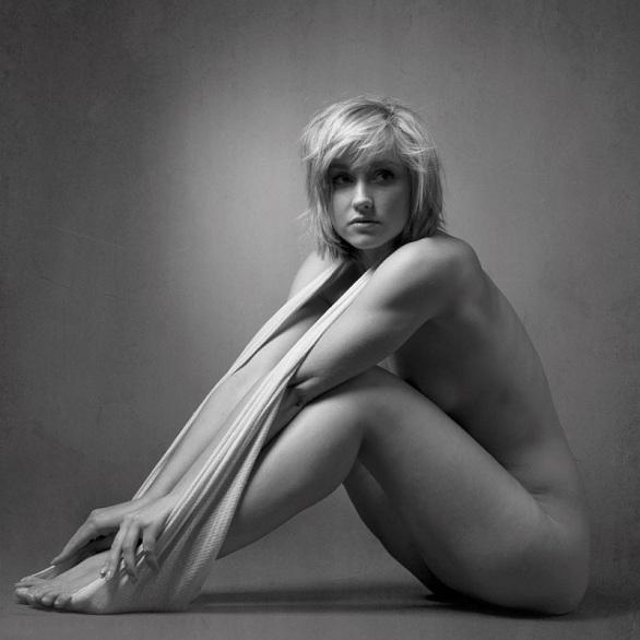 17-Pensive - Suzanne Marshall