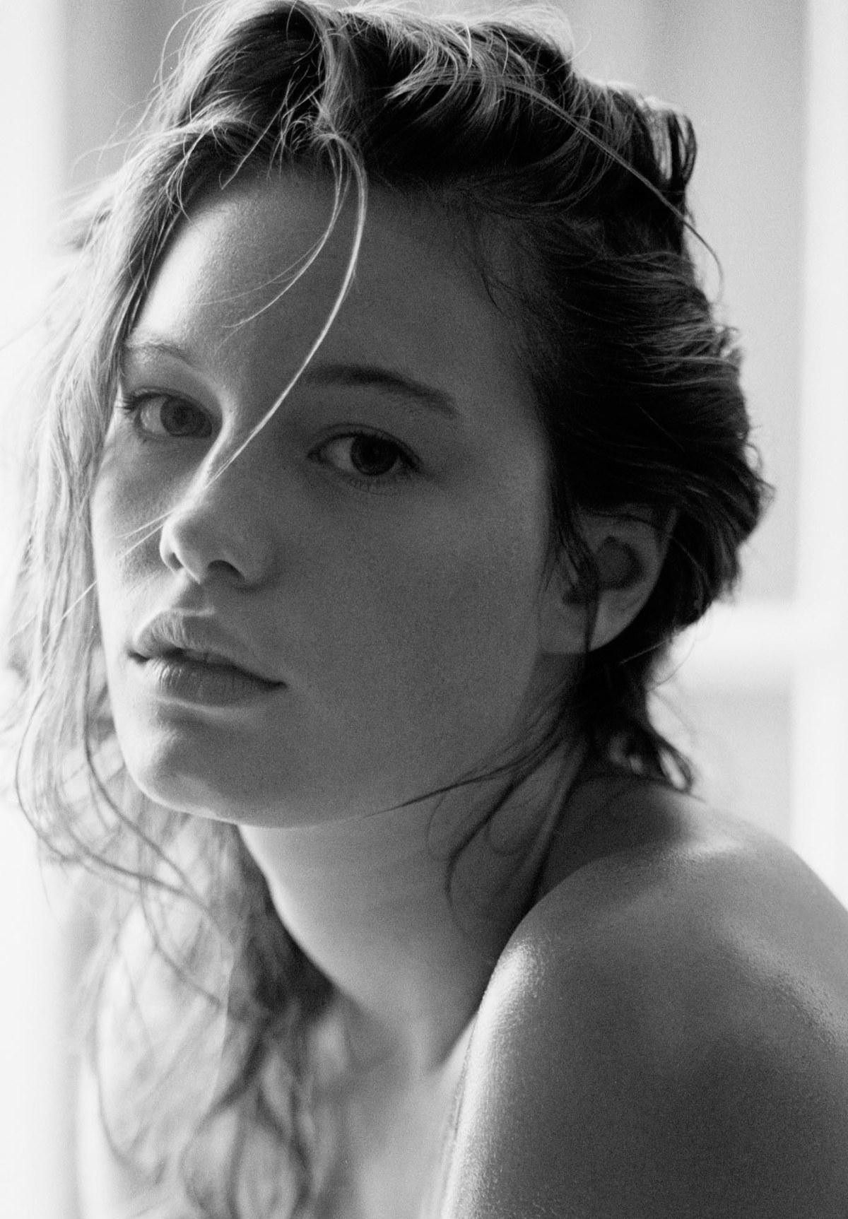 wm-models-just-wm-management-paris-mannequin-mannequinat-fashion-famous-model-agency-catwalk-defiles-mode-beauty-fashion-consulting-endorsement-beaute-agence-modeling-celebrite-cel2